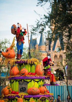 happy-halloween-harvest-parade-003