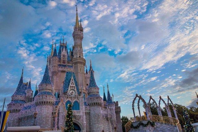 cinderella-castle-morning-dream-lights