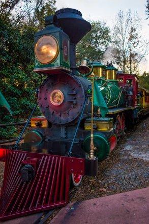 disney-railroad-train