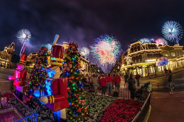 holiday-wishes-perimeter-bursts-2