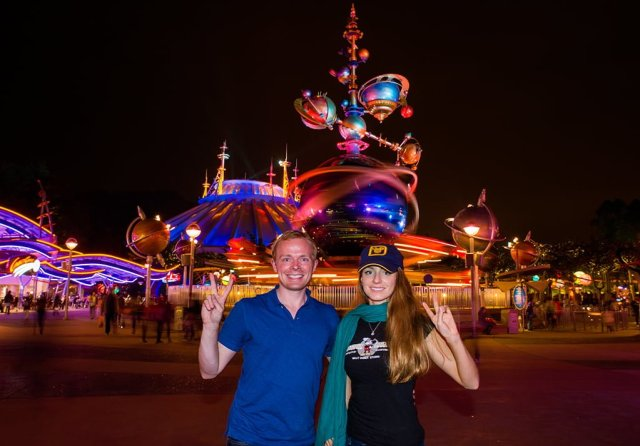 sarah-tom-bricker-hong-kong-disneyland-tomorrowland