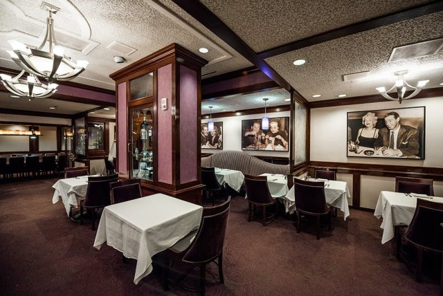 steakhouse-55-disneyland-hotel-286