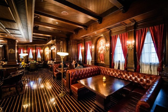 teddy-roosevelt-lounge-booths