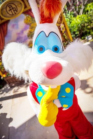roger-rabbit-wide-close-disneyland-easter