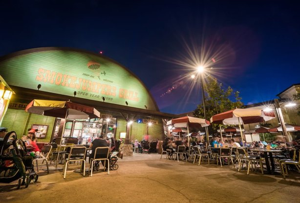 smokejumpers-grill-night-exterior