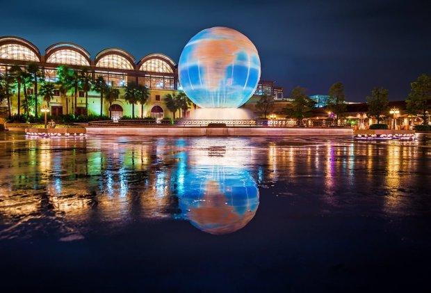 aquasphere-reflection-typhoon-tokyo-disneysea copy