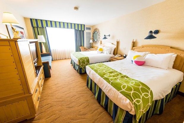 paradise-pier-hotel-room