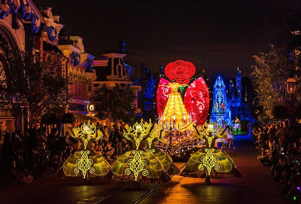 Disney Paint the Night Parade - Disney Tourist Blog