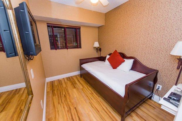 Anabella-Inn-anaheim-disneyland-hotel-0896