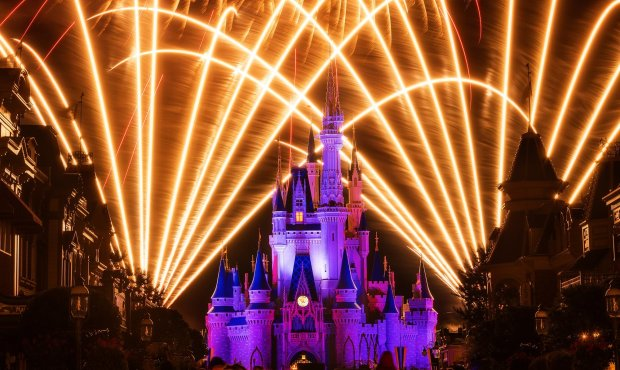 cinderella-castle-moody-fireworks