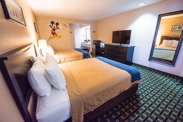 stanford-inn-suites-disneyland-wide-view