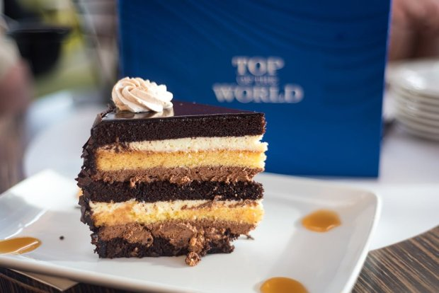 top-world-lounge-bay-lake-tower-disney-vacation-club-walt-disney-world-restaurant-856