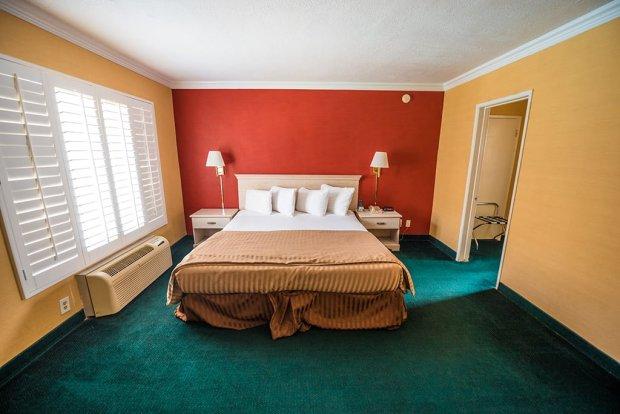 americas-best-value-anaheim-disneyland-hotel-797