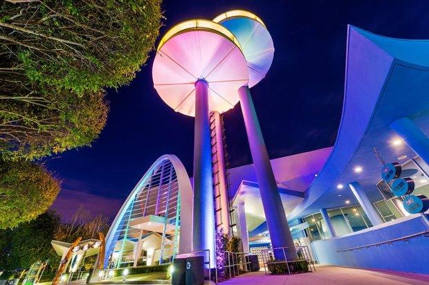men-in-black-universal-studios-florida-night-wide-angle