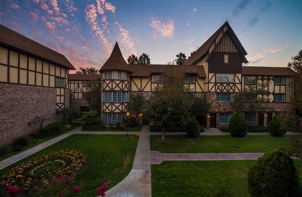 anaheim majestic garden hotel disneyland 8 - Majestic Garden Hotel Anaheim