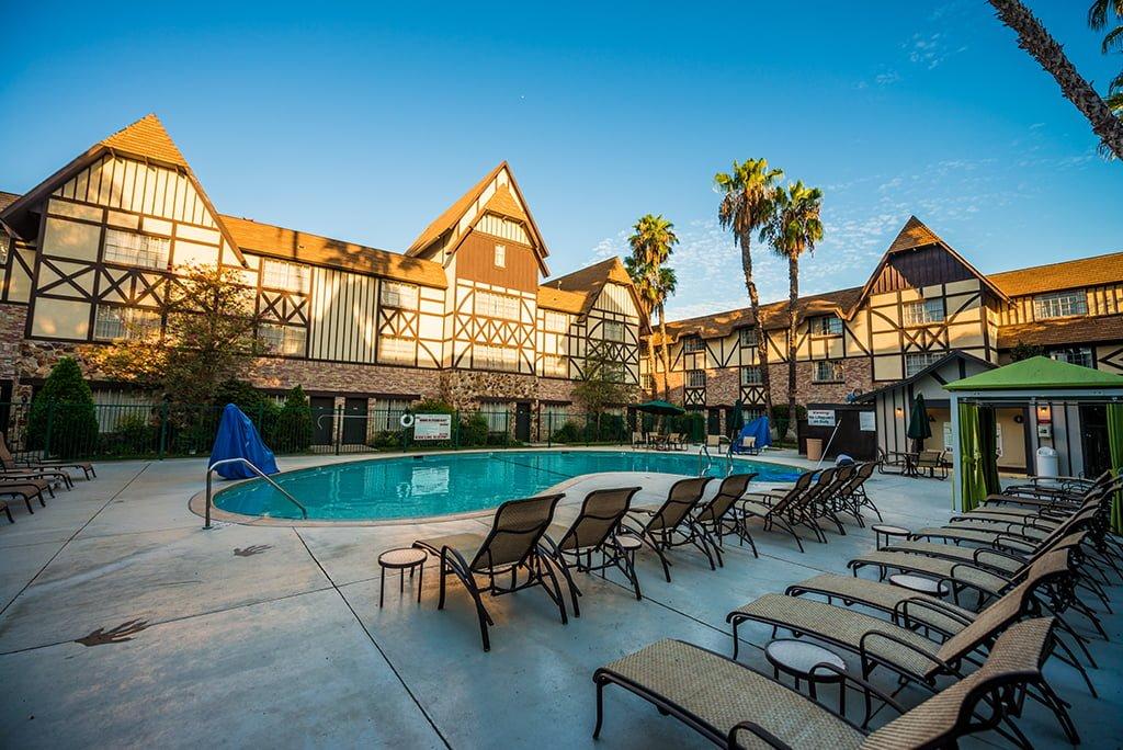 anaheim majestic garden hotel disneyland resort 385 - Majestic Garden Hotel Anaheim