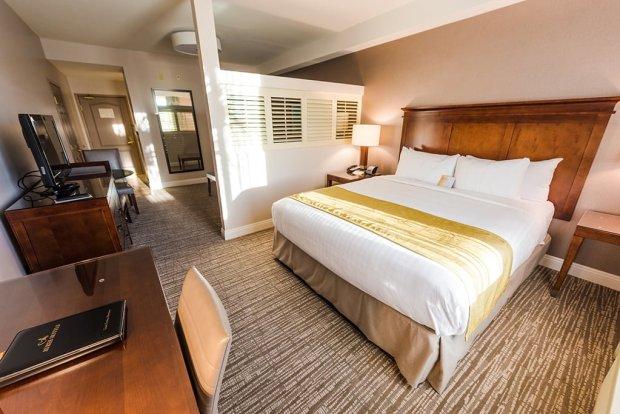 ayres-hotel-anaheim-disneyland-498