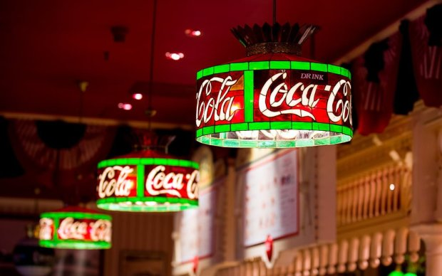 coca-cola-stained-glass-caseys-corner