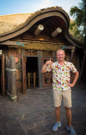 polynesian-paradise-mickey-mouse-minnie-tokyo-disneyland-tom-bricker