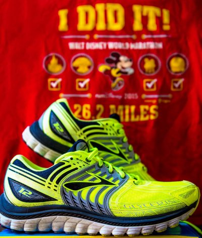 running-shoes-marathon-rundisney