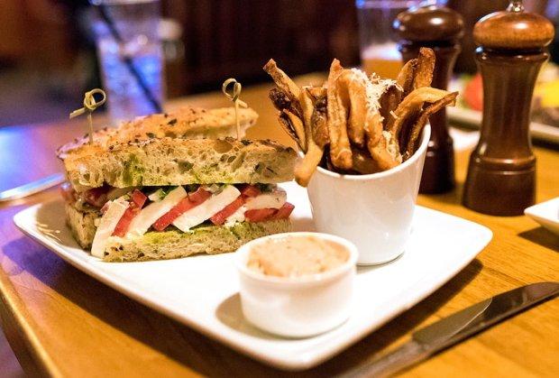 caprese-sandwich-crews-cup-lounge-yacht-club
