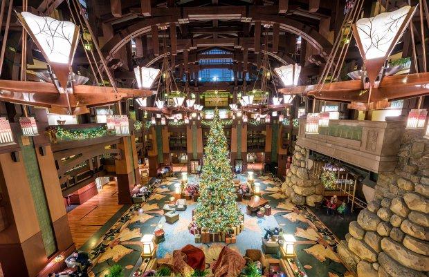 gch-overhead-lobby-christmas