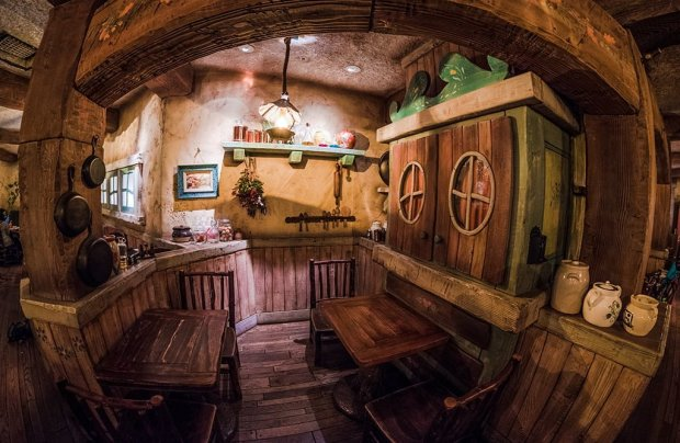 grandma-saras-tokyo-disneyland-restaurant-008