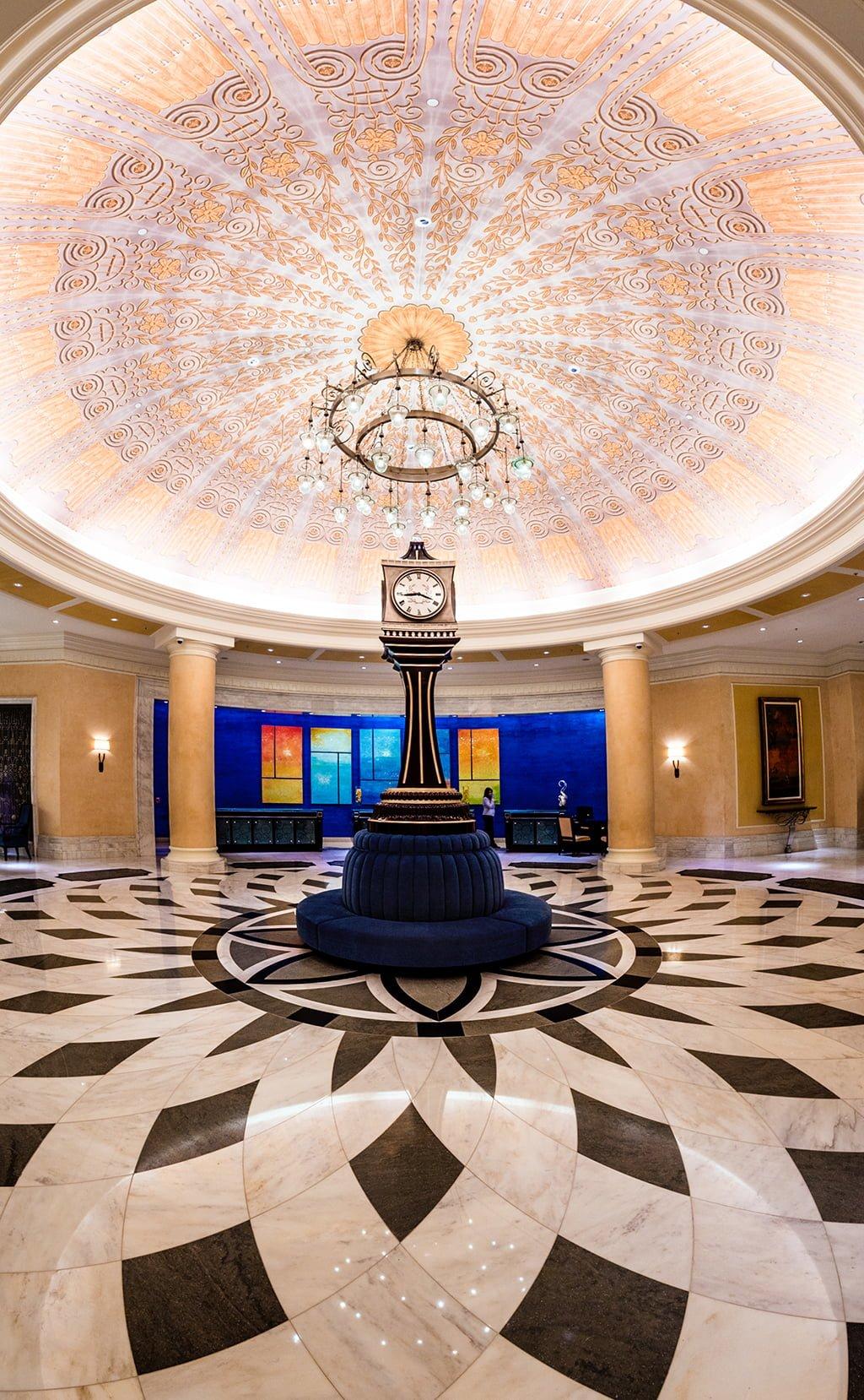 A Hotel Simply Off Site V On Site Disney World Hotels Disney Tourist Blog