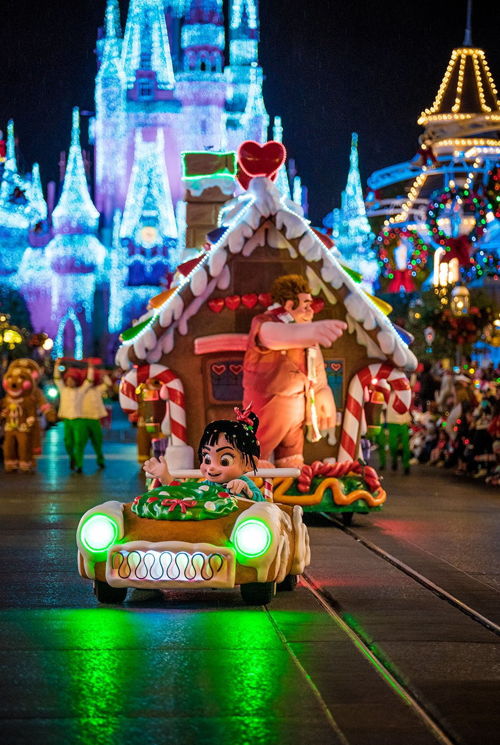 Mickey's Very Merry Christmas Party Recap & Review - Disney ...