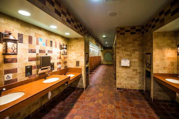 best-restrooms-walt-disney-world-017