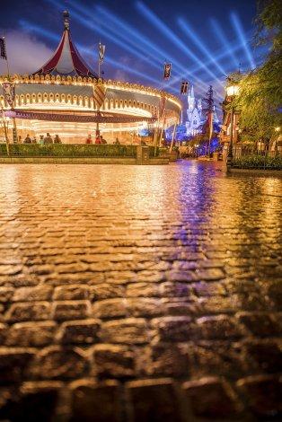 fantasyland-pavers-castle-carrousel-wet-pavement-wide-open copy