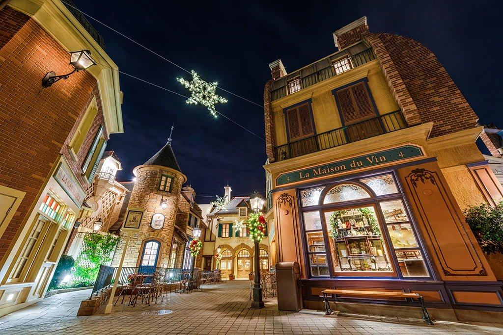 france-christmas-snowflakes-night