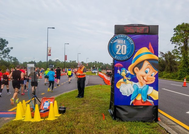 walt-disney-world-2016-marathon-bricker-031