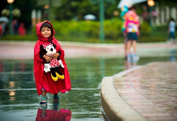 girl-minnie-mouse-plush-rain-tokyo-disneyland copy