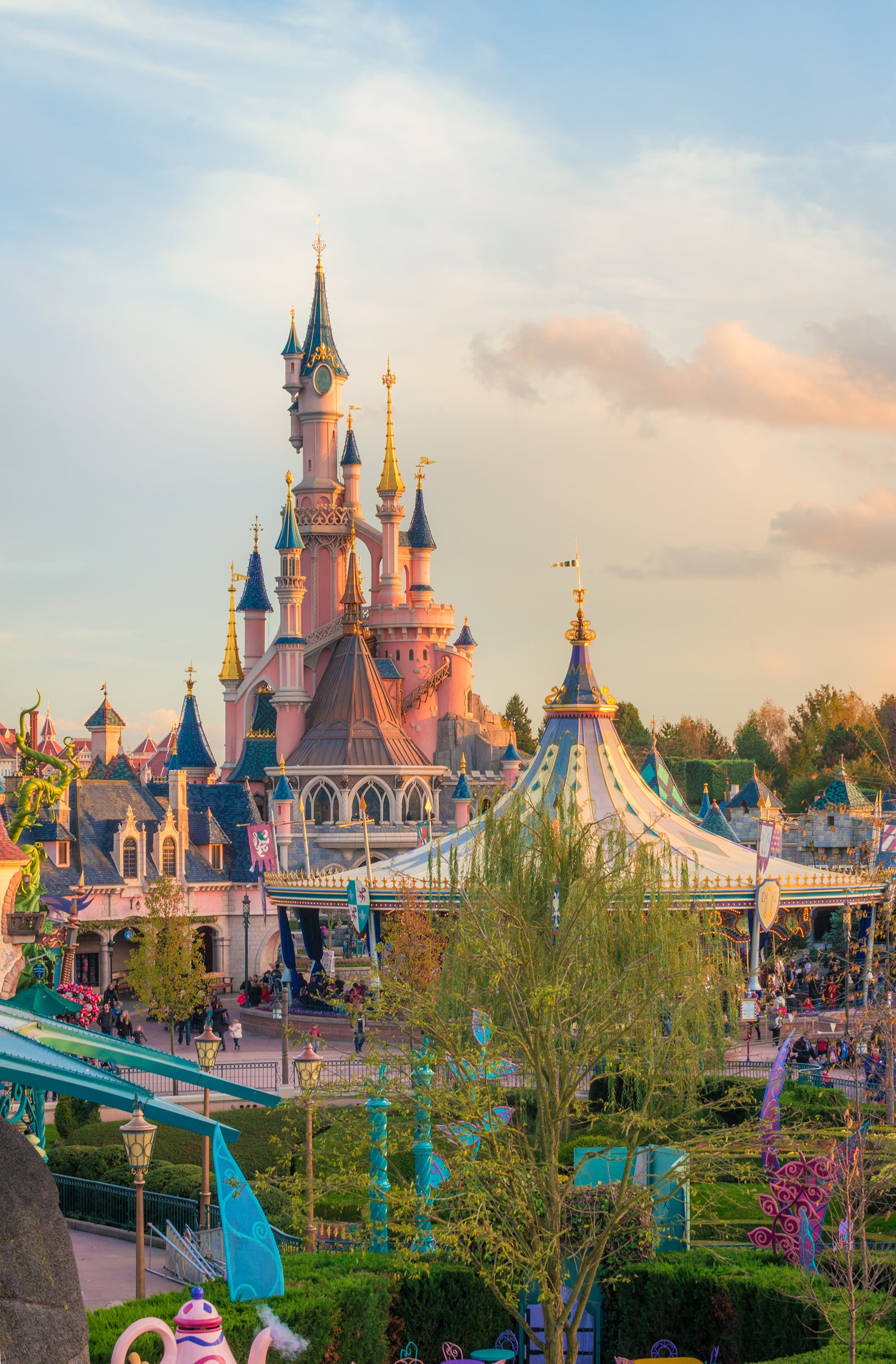 Disneyland Paris Holidays Your journey to the Magic starts here Let Breakaway bring you to the heart of the magic of Disneyland Paris Holidays  As Disneys Official Distributor we offer the best value you the special offers and expert advice for Disneyland Paris Holidays