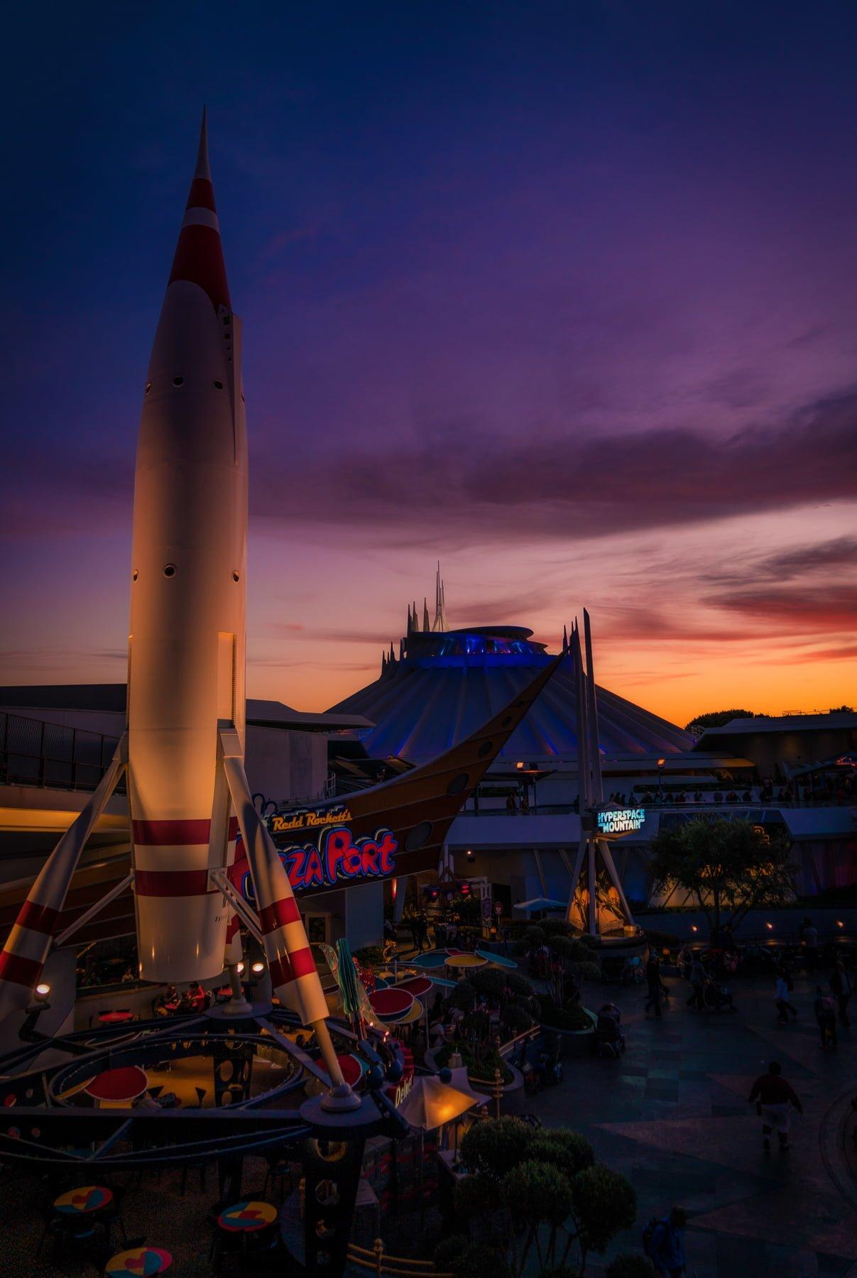 Best Disneyland Attractions & Ride Guide - Disney Tourist Blog