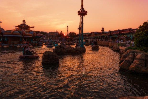 aquatopia-sunset-tokyo-disneysea-soft-light