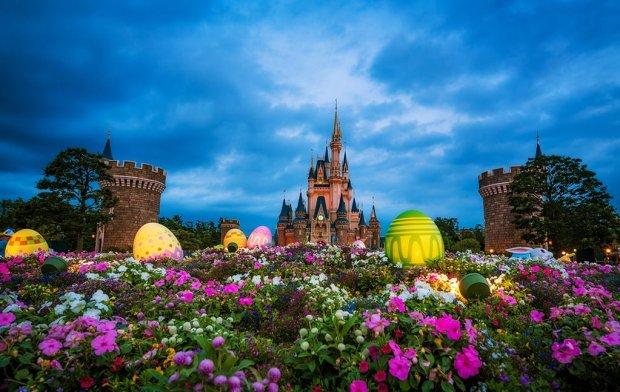 cinderella-castle-eggs-dusk-tokyo-disneyland