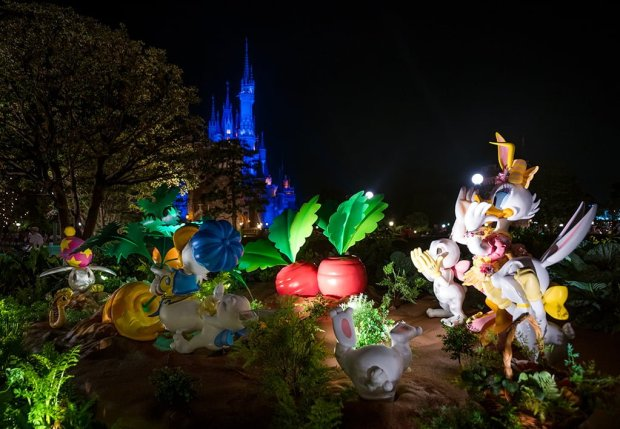 daisy-donald-easter-night-decorations-tokyo-disneyland
