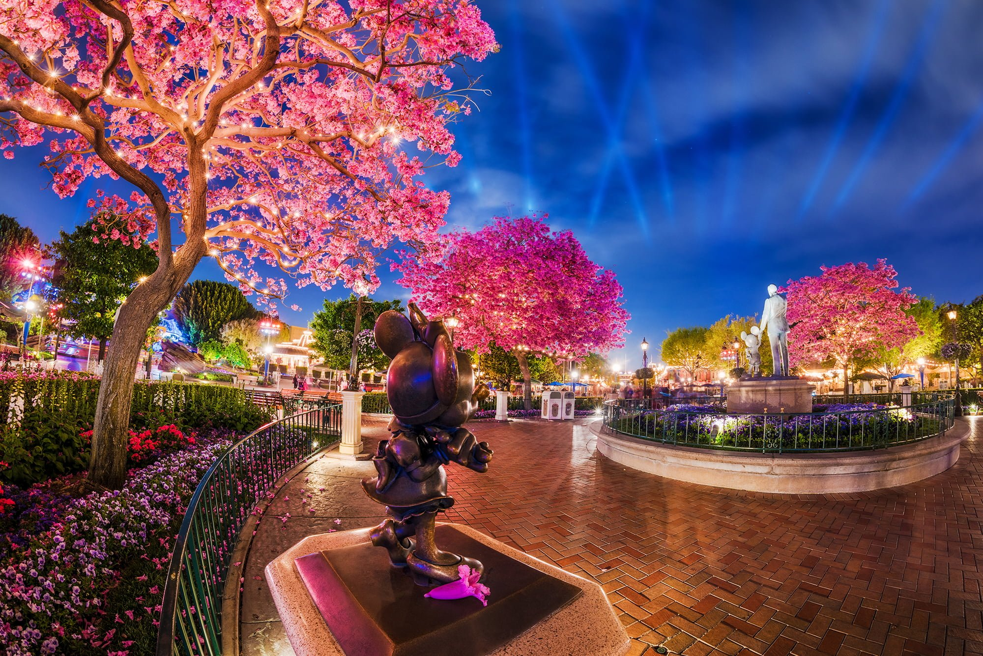 Best & Worst Months to Visit Disneyland - Disney Tourist Blog