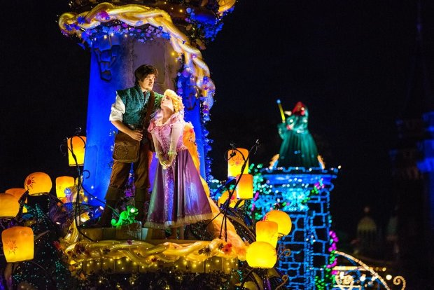 renewed-dreamlights-new-tangled-float-closeup