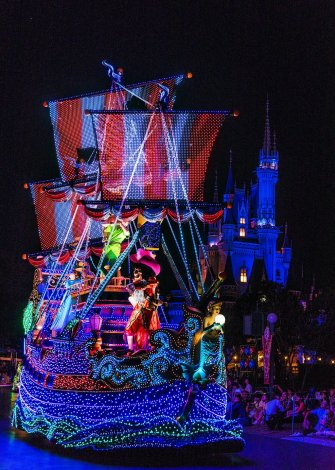 renewed-dreamlights-updated-peter-pan-pirate-ship-2-tokyo-disneyland