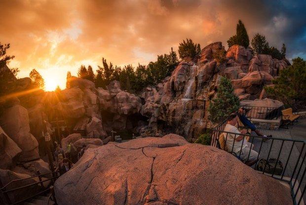 canada-waterfall-benches-epcot-sunset-disney-world