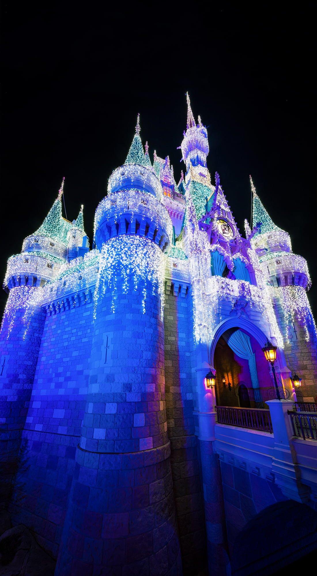 cinderella castle dreamlights christmas disney world phone wallpaper