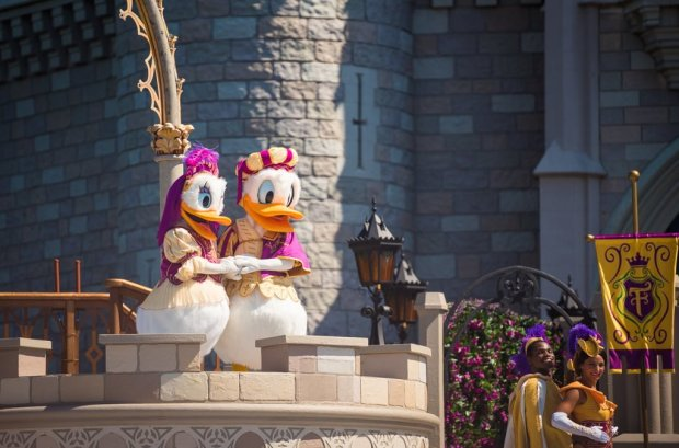 mickeys-royal-friendship-faire-magic-kingdom-walt-disney-world-017