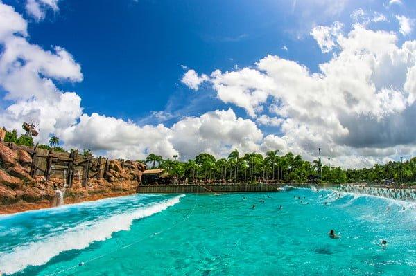 typhoon-lagoon-surf-pool-disney-world-bricker