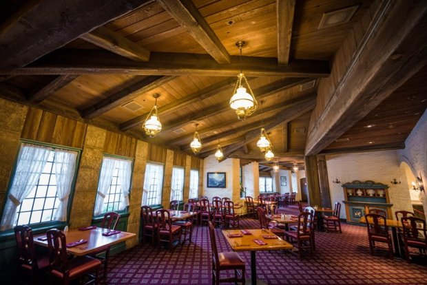 akershus-breakfast-norway-princess-dining-epcot-disney-world-117