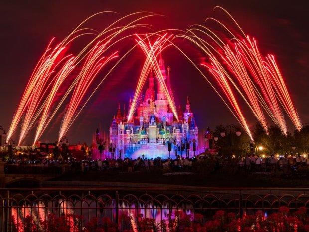 ignite-the-dream-front-fireworks-5-shanghai-disneyland