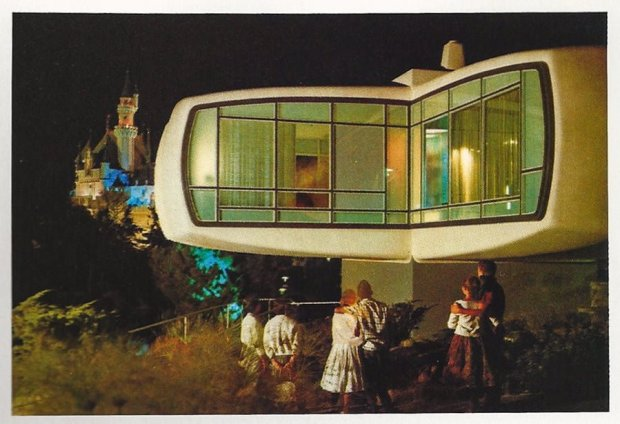 monsanto-house-future-disneyland-toilets