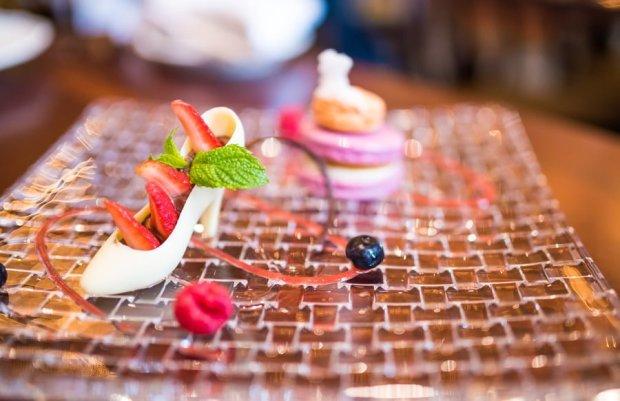 royal-banquet-hall-shanghai-disneyland-food-bricker-026